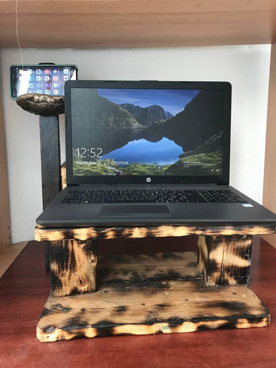 Дерев\'яна підставка для ноутбука