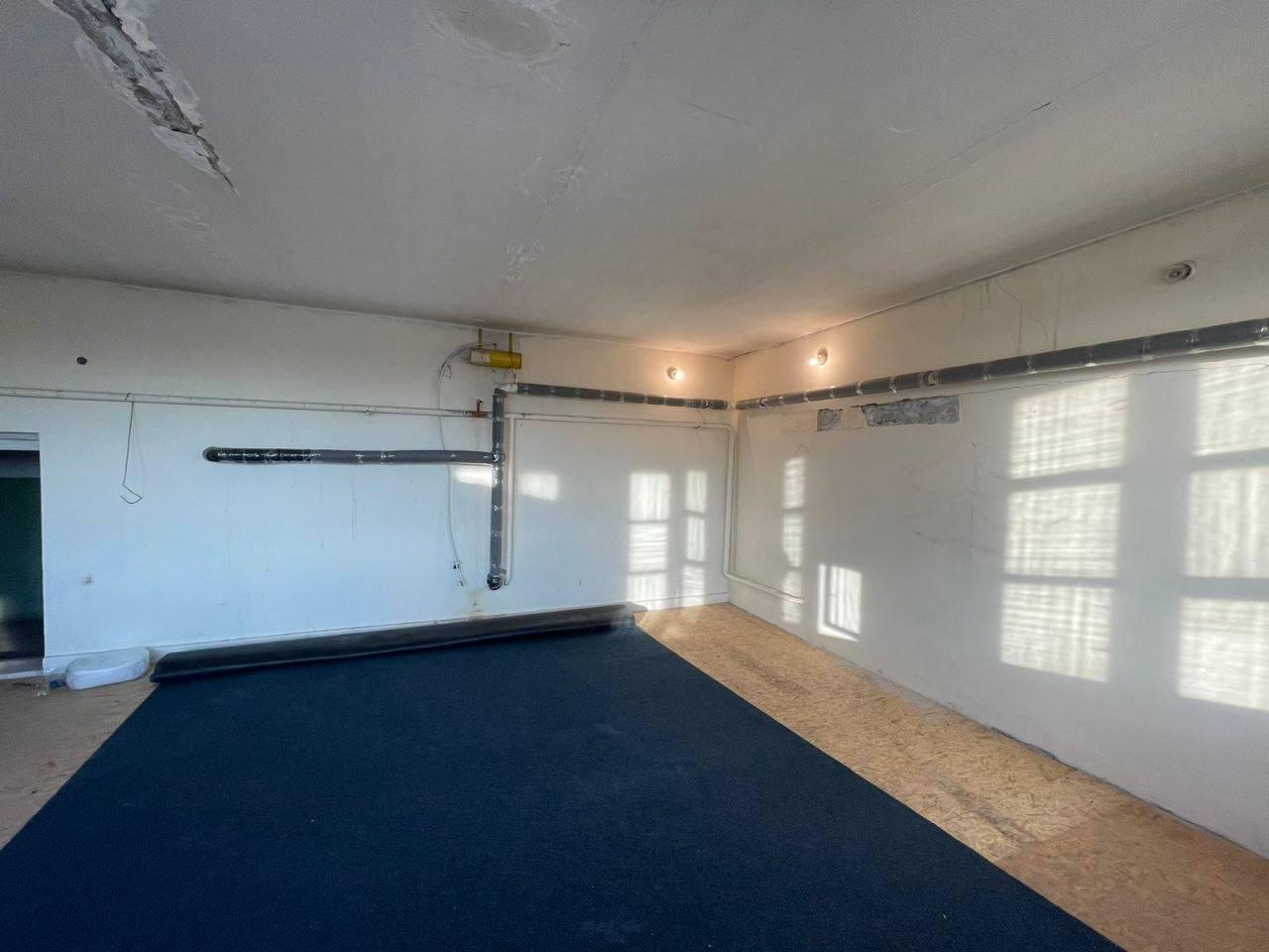 продам 2-комнатную квартиру на Небесной Сотни
